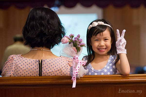 christian-wedding-flower-girl-malaysia