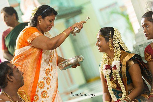 Indian Hindu Wedding At Muthu Mariamman Temple Mugu Sharmilah Wedding Photographer Malaysia