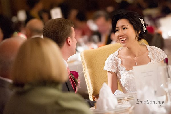 shangrila-hotel-wedding-reception-bride-groom-emotion-in-pictures-andy-lim