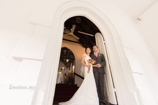 st-andrew-church-wedding-day-portrait-ben-sonia-emotion-in-pictures-andy-lim