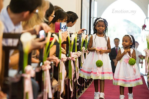 st-andrew-church-wedding-flower-girls-emotion-in-pictures-andy-lim