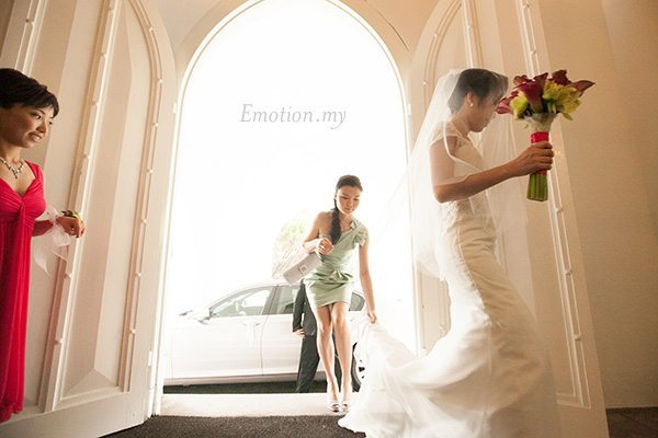 st-andrew-church-wedding-photography-bride-arrival-emotion-in-pictures-andy-lim