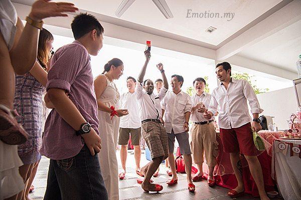 kuala-lumpur-malaysia-chinese-wedding-games-pick-up-the-bride