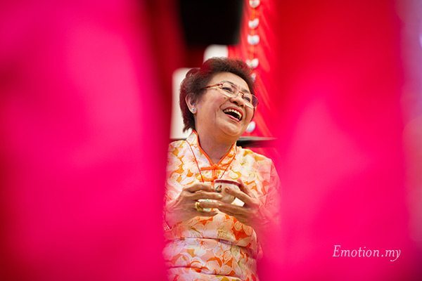 malaysia-chinese-wedding-tea-ceremony-mother