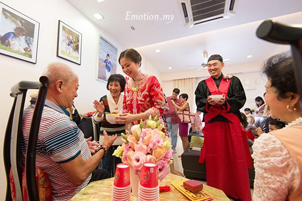 similarities in chinese and malay wedding The difference between chinese wedding and american wedding: chinese wedding and american wedding have dominant in chinese traditional wedding.