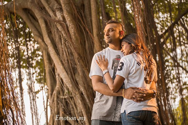 Outdoor Natural Light Portraits in Kuala Lumpur: Praveen + Meg -Wedding Photographer Malaysia-