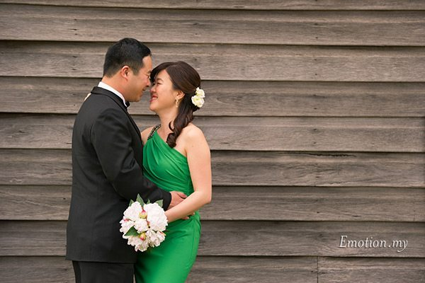 prewedding-portraits-hunter-valley-australia-green-dress