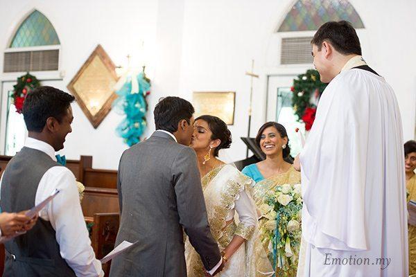church-wedding-kiss-photographer-malaysia-andy-lim