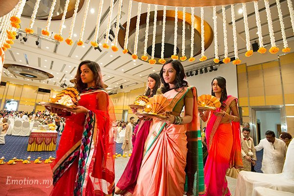 hindu single women in clara There are pronounced differences in the ratio between men and women living in the largest us metro areas, especially when it comes to singles who have an attractive characteristic: a job.