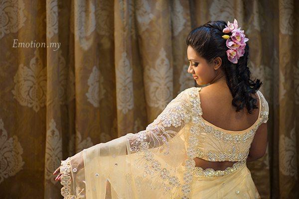 hindu-engagement-ceremony-malaysia-saree-meera