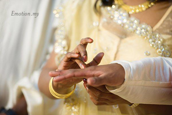 indian-hindu-engagement-malaysia-krit-meera