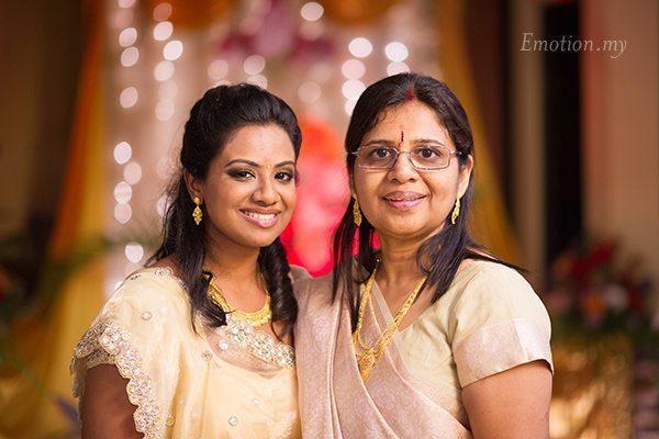 indian-hindu-engagement-portrait-mother