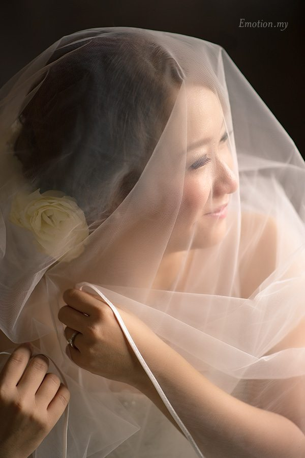 church-wedding-bride-veil-malaysia