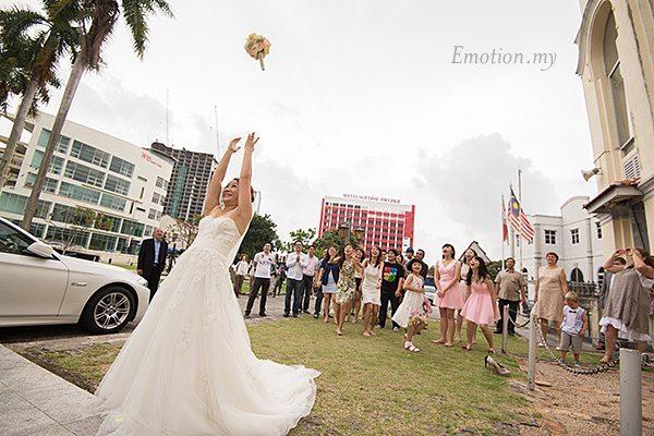 church-wedding-st-peter-melaka-bouquet-toss