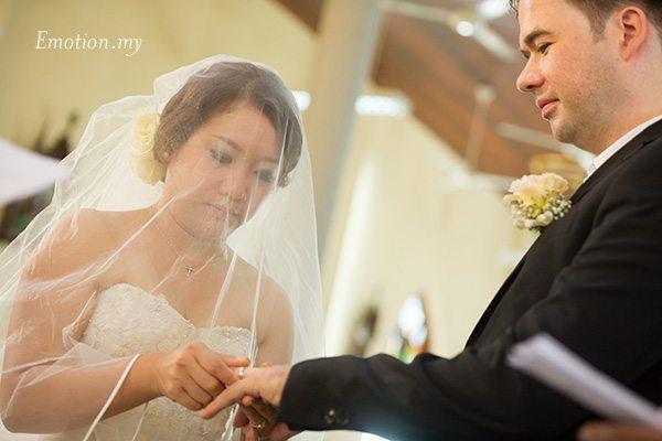 church-wedding-st-peter-melaka-exchange-of-rings