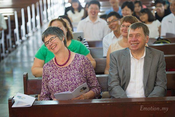 church-wedding-st-peter-melaka-grooms-parents