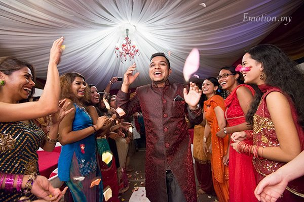 wedding-sangeet-arrival-of-groom-anand-annushia