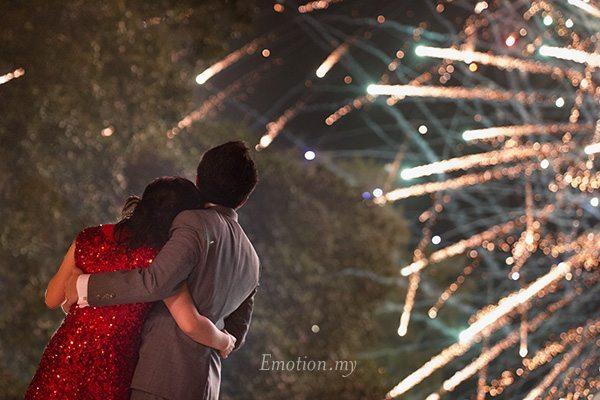 beach-wedding-fireworks-port-dickson-malaysia
