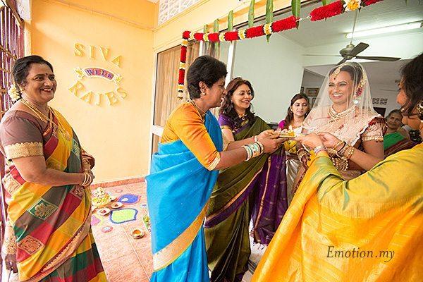 hindu-wedding-aarti-malaysia