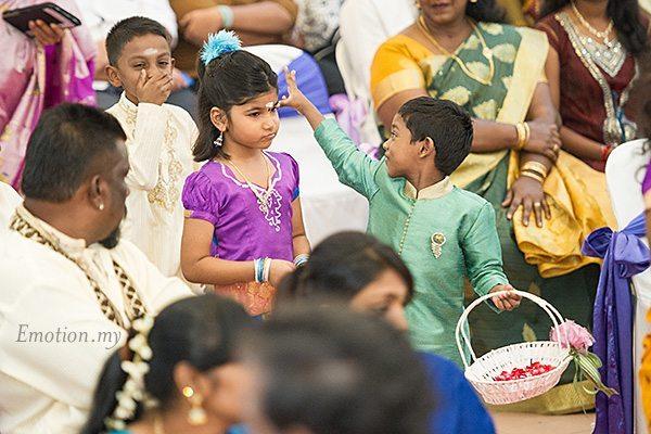 hindu-wedding-klang-malaysia-siva-rajes-processional-kids