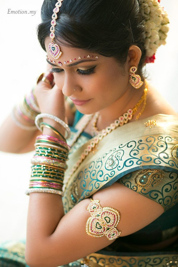 hindu-wedding-malaysia-bride-earrings