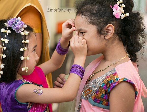 ceylonese-wedding-ceremony-flower-girls