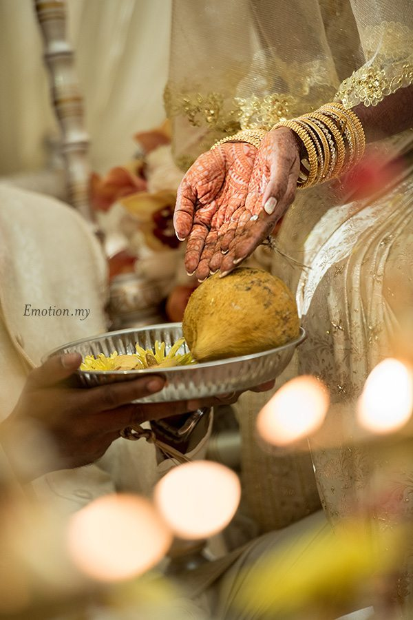 hindu-wedding-ceremony-bride-palms