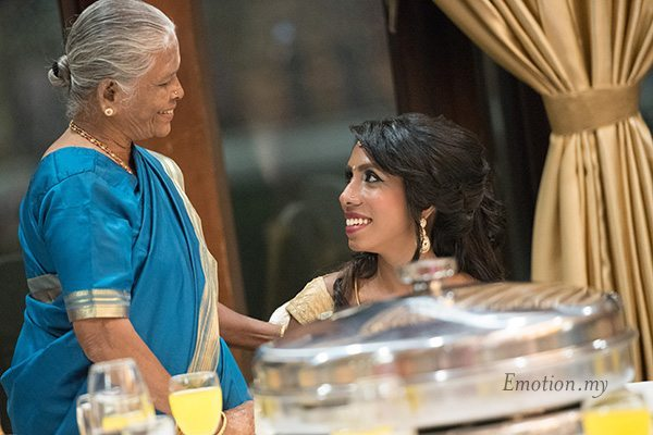 indian-wedding-reception-grandmother-bride