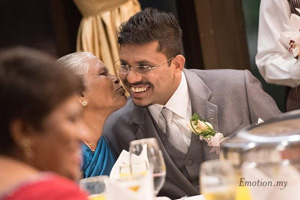 indian-wedding-reception-grandmother