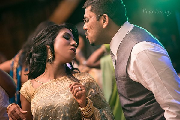 indian-wedding-reception-malaysia-first-dance