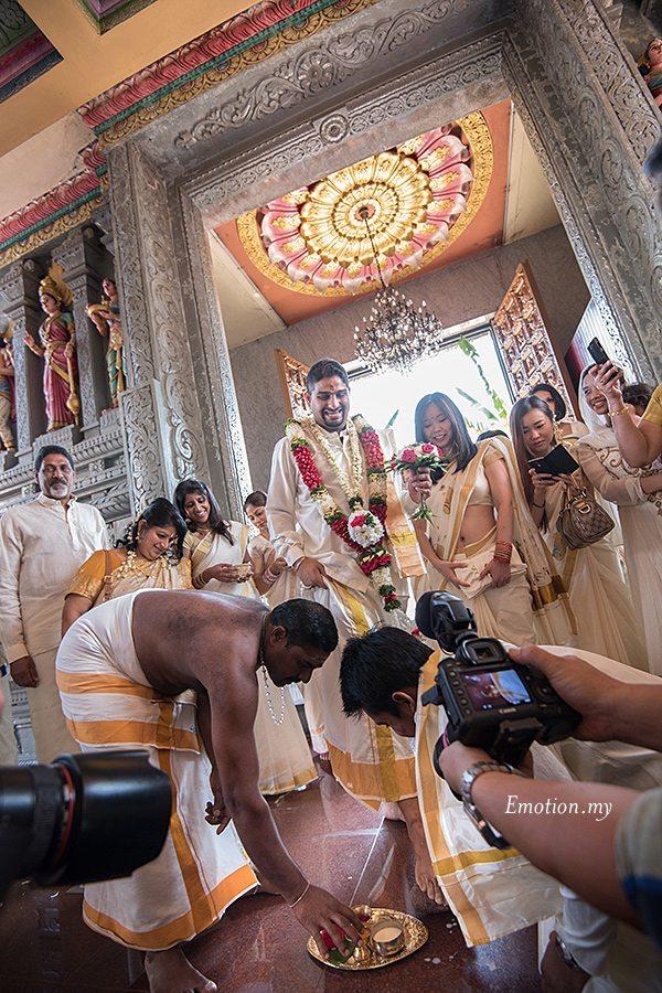 hindu-wedding-sri-sakthi-easwary-kuala-lumpur-groom-arrives