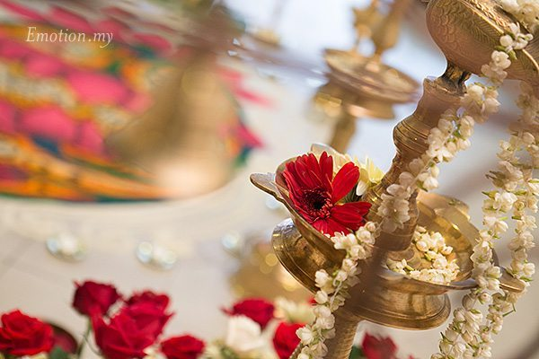 hindu-wedding-malaysia-decorations-vilakku-kolam