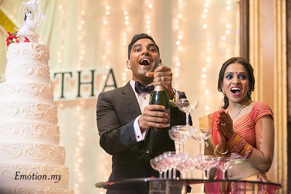 indian-wedding-reception-champagne-pouring-grand-dorsett-kuala-lumpur