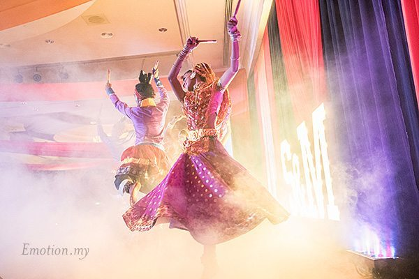 indian-wedding-reception-dancers-suraj-malathi