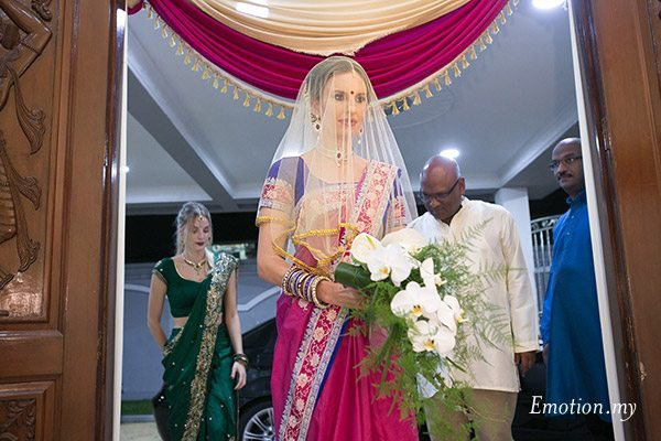 ceylonese-wedding-ceremony-kuala-lumpur-malaysia-australian-bride