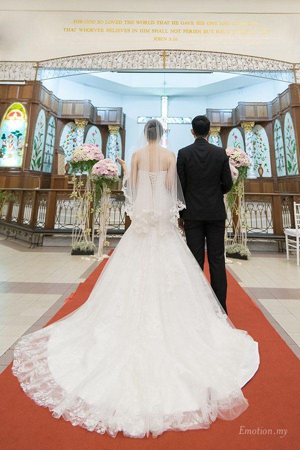 christian-wedding-st-peter-bangsar-altar-edward-tzeteng