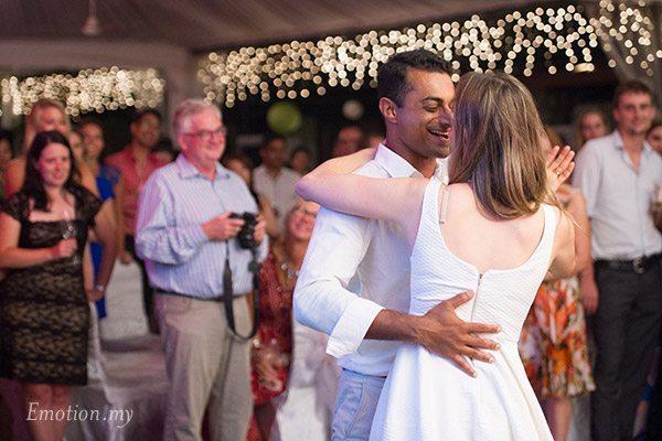wedding-reception-first-dance-kuala-lumpur-malaysia-vijendra-amber