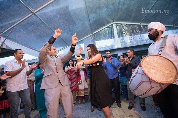 bhangra-engagement-party-kuala-lumpur-malaysia-sathvin+jasmin