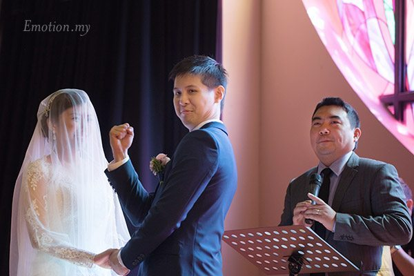 church-wedding-christian-ceremony-fist-pump-lenjin-melissa
