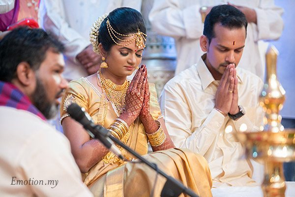 malayali-wedding-bride-groom-ceremony-sanjeev-reshmi