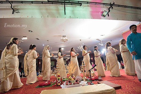 malayali-wedding-ceremony-thalam-girls-kuala-lumpur-sanjeev-reshmi