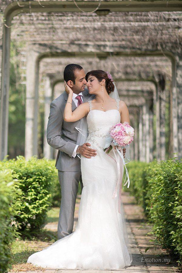 portrait-sentul-park-malaysia-sathvin+jasmin-rom-engagement