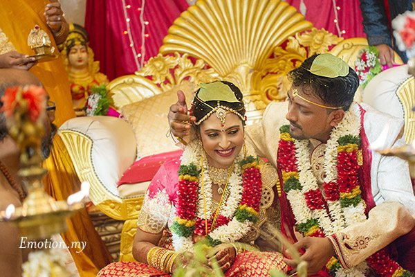 telugu-indian-wedding-bride-groom-ceremony-srinivas-priya