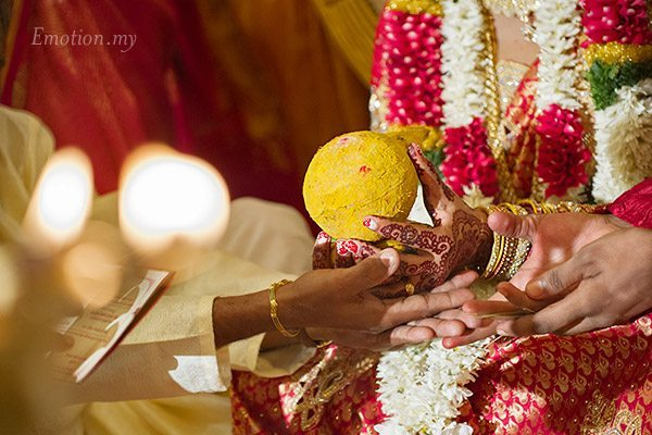 telugu-indian-wedding-coconut-ceremony-srinivas-priya