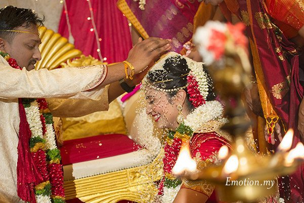 telugu-indian-wedding-rice-ceremony-srinivas-priya