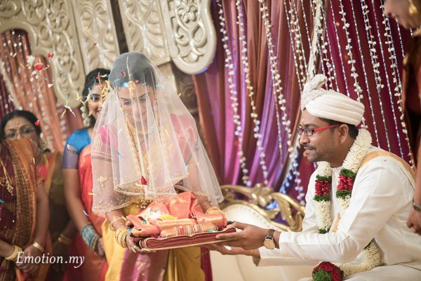 bride-groom-ceylonese-wedding-ceremony-kuala-lumpur-malaysia
