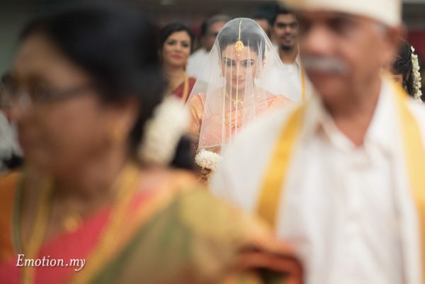 bride-procession-ceylonese-wedding-kuala-lumpur-malaysia