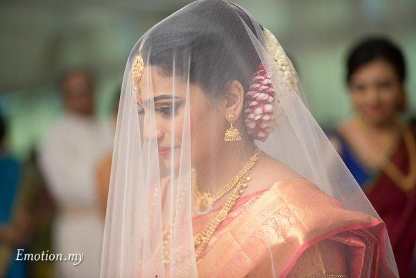 bride-procession-ceylonese-wedding-malaysia