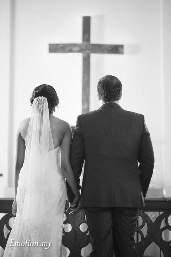 christian-wedding-ceremony-christ-cross-zion-lutheran-kuala-lumpur-malaysia-paul-joanna