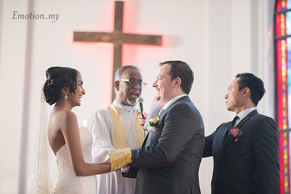 christian-wedding-ceremony-exchange-vows-zion-lutheran-kuala-lumpur-paul-joanna